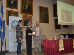 Η ΟΠΣΕ τίμησε μετά θάνατον τους Τάκη Βεζυργιάννη και Σπύρο Ισόπουλο